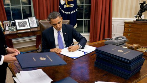 Obama Signs Executive Order Aimed at Stopping Foreign Cyberattacks